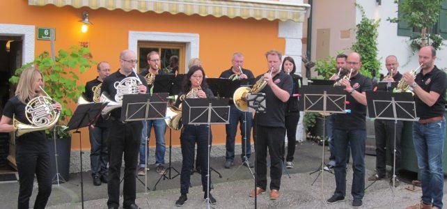 Gemütlichkeit, Hornmusik und … Grüner Veltliner(Bild:Schwyzer Horngruppe)